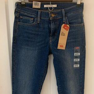 Levi jeans size 6 short
